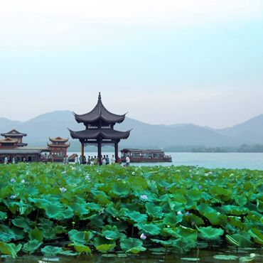 China Marvelous Landscape Sightseeing Tour, from US$3039