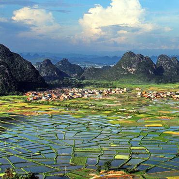 One-day Idyllic Karst Scenery Hike in Huixian