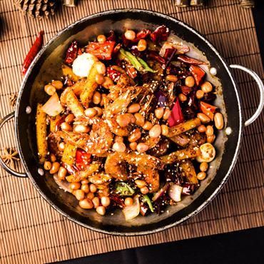 Delicious Chinese Cuisine Savoring Tour