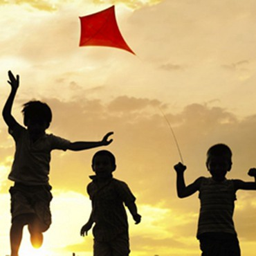 Family Tour for Children with Kite Flying